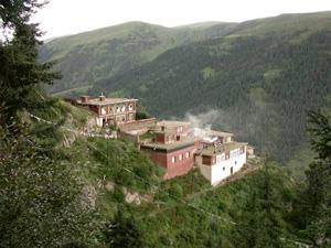 Tsadra-Rinchen-Drak-retreat-center Three Year Retreat Centers